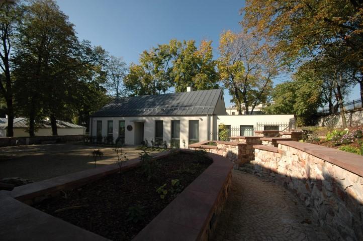Budynek administracyjny Muzeum Wsi Kieleckiej